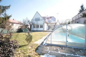 Pronájem domu 4+1 s venkovním bazeném, 200 m2, Praha - Nebušice