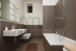 koupelna - Pronájem bytu 4+kk, 200 m2, Praha 2 -Vinohrady, Čelakovského sady