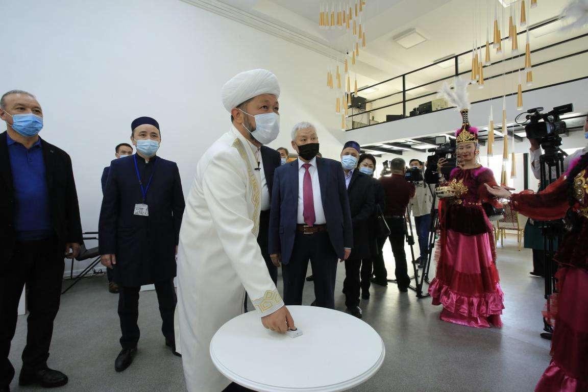 Kazachstán otevřel vlastní televizní kanál DUMK