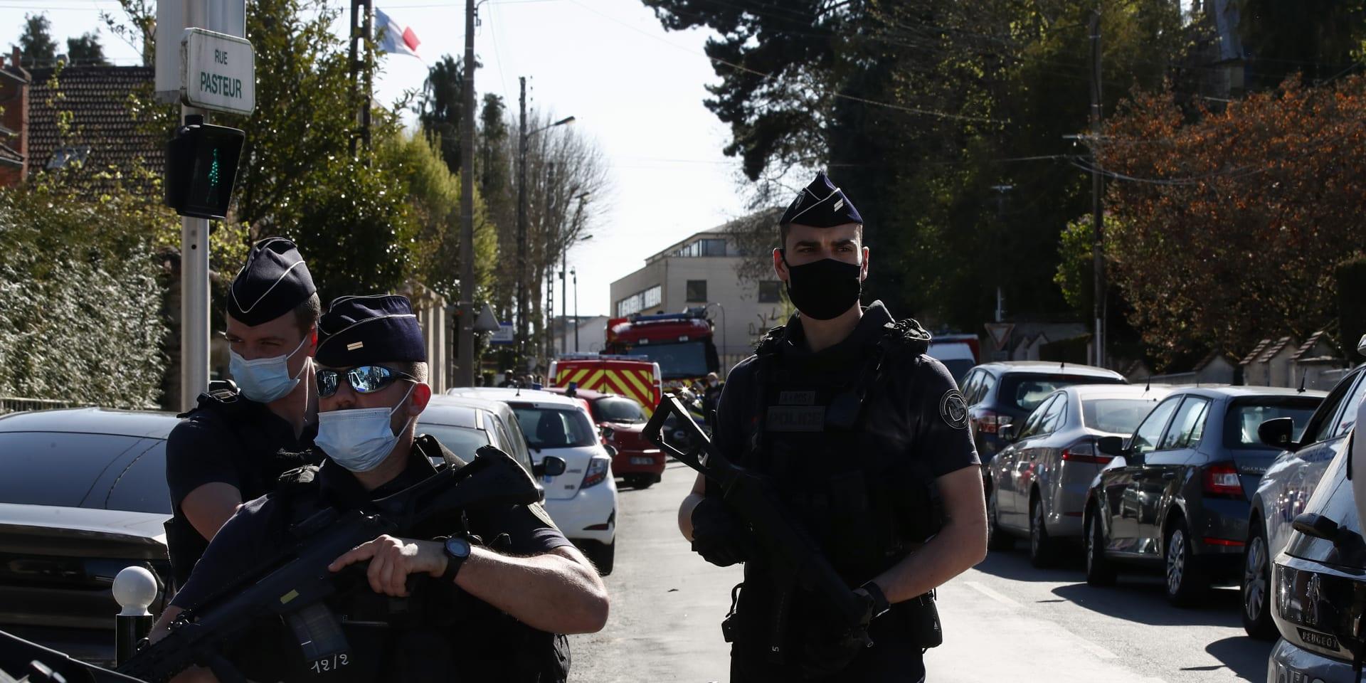 Zoufalí policisté ve Francii: Chraňte nás před radikály, žádají vládu po dalším útoku